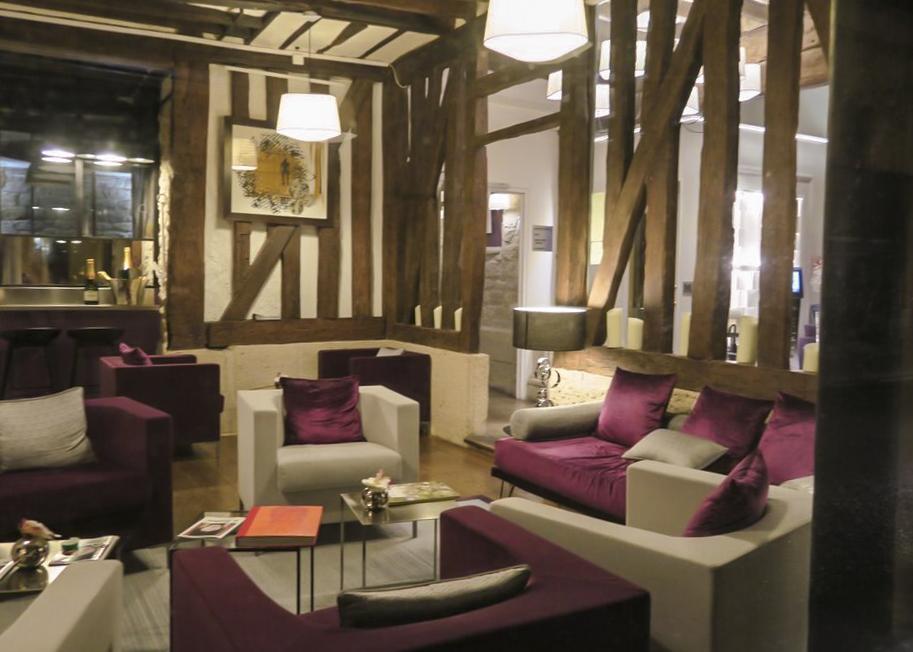 photo: Hotel Jacques de Molay, Paris