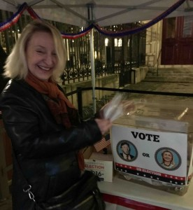 Patricia Tennison votes in mock U.S. presidential election in Paris
